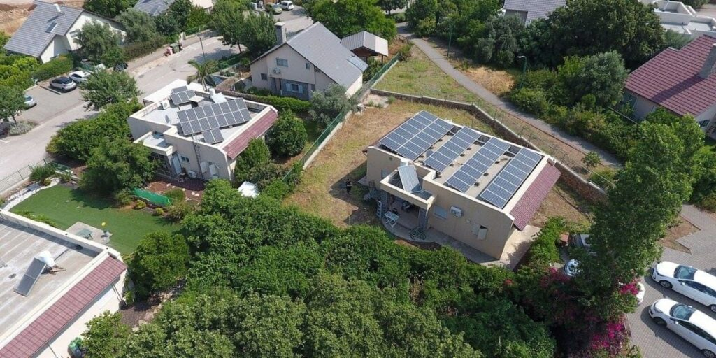 Pros And Cons Of Buying A House With A Solar Panel