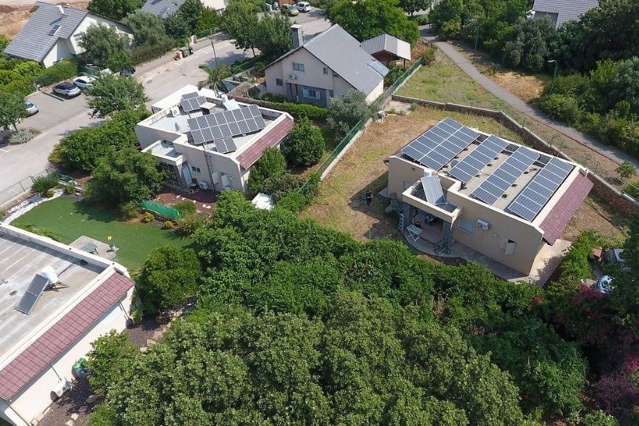 Solar Panels On Roof Pros And Cons